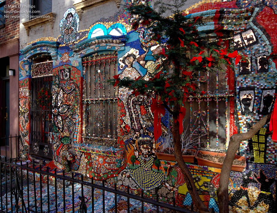 Wyckoff Street house decorated with murals from cut glass in Boerum Hill Brooklyn ©Mark D Phillips