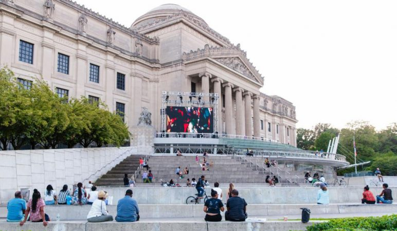 Art on the Stoop continues through November 8 at the Brooklyn Museum and will feature major works by contemporary artists