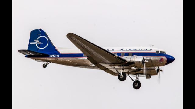 C-47-DL Skytrain 42-32833 – Legend Airways 'Liberty' – N25641